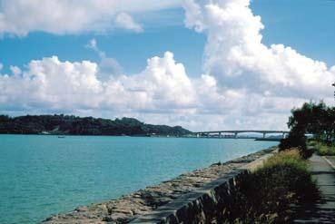 浜比嘉島と大橋